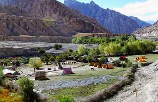 Campement dans la vallée de la Markha