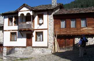 Chiroka Laka, village typique bulgare au coeur des Rhodopes