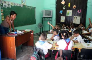 Classe d'enfants à la Havane à Cuba