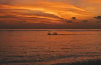 Coucher de soleil sur la plage de amed