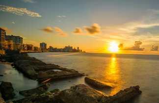 Coucher de soleil sur le front de mer de La Havane