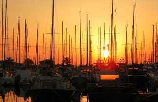 Coucher de soleil sur le port de Hyères