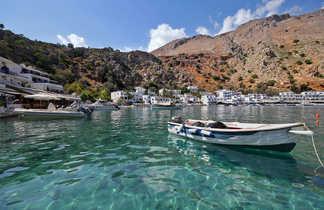 Crete, le petit port de Loutro
