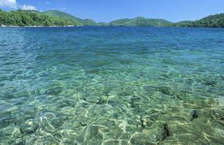 Croatie, crique sur l'île de Mljet