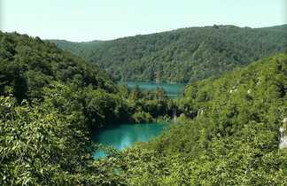 Croatie, vue sur les lacs de Plitvice
