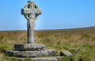 Croix sur le chemin de Compostelle entre Conques et Cahors