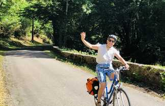 Cycliste dans une vallée