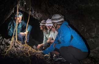 Dans les tunnels de lave de la Réunion