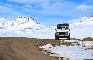 En Land Rover en Islande