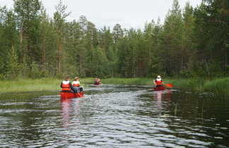 Descente de rivière en canoe, Finlande