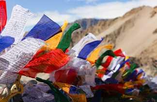 Drapeaux de prière au Ladakh