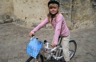 Enfant sur un vélo enfant