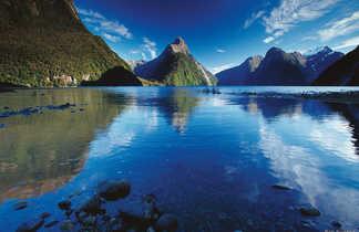 Le Milford Sound est un fjord de Nouvelle-Zélande situé dans la région de Southland de l'île du Sud.