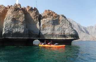 Grotte sous marine, passage secret en kayak