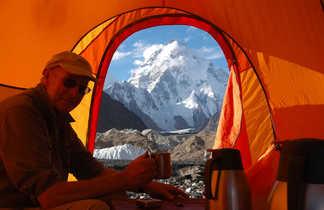 Vue sur le K2 depuis la tente à Concordia