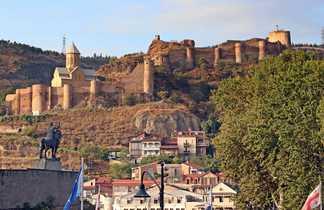 La forteresse et la vieille ville de Tbilissi