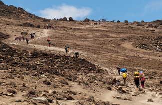 L'approche du campement de Barafu à plus de 4600 mètres