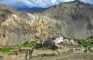 Le village de Lamayuru et son monastère
