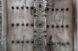 Les fameuses portes sculptées de Zanzibar