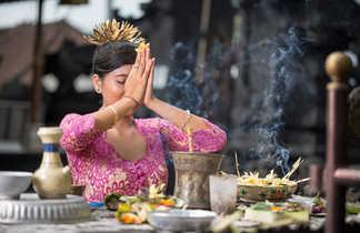 Les rituels religieux font partie de la vie quotidienne des habitants de Bali, l'île des Dieux