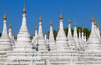 Les temples de Sagaig à proximité de Mandalay