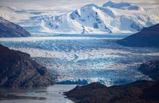 L'imposant glacier Grey, dans le Parc ational Torres del Paine, en Patagonie chilienne