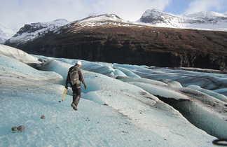 Marche sur le glacier de Skaftafell, Islande