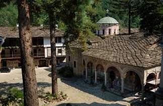 Monastère de Troyan, le plus grand monastère des balkans