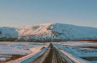 Montagnes enneigés d'Islande