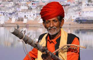 Musicien rajasthani à Pushkar