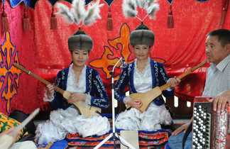 Deux musiciennes Kirghizie