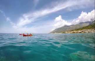 Navigation kayak en Albanie