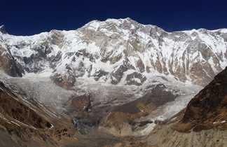 Panorama exceptionnel à partir du sanctuaire des Annapurnas