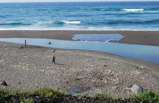 Plage de Fajã Grande sur l'île de Faial aux Açores