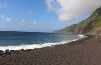Plage de sable noir des Açores, Faial