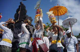 Processions balinaises