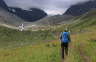 Randonnée dans la vallée d'Elevenes, vers Steindalbreen