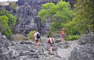 Randonnée dans les Tsingys gris @ S.Fautre