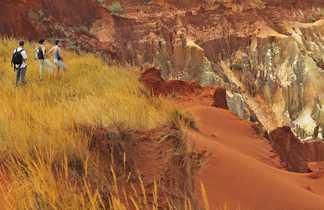 Randonnée dans les tsingys rouges de Mada
