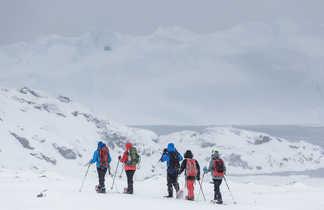 Randonnée en raquettes le long de l'icefjord au Groenland