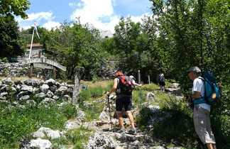 Randonneurs arrivant au refuge de Paklenica