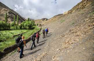 Randonneurs vers Lamayuru, Ladakh