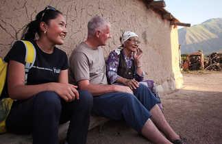 Rencontre avec la population locale en Kirghizie