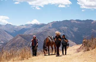 Rencontre de nos randonneurs sur les chemins de la vallée sacrée