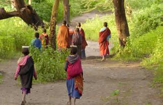 Rencontres lors du trek masai entre le Ngorongoro et le Natron