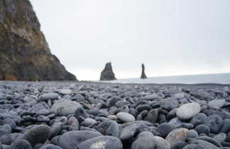 Reynisfjara, belle plage de sable noir en Islande