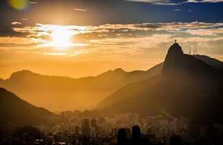 Rio de Janeiro et le Corcovado au coucher de soleil