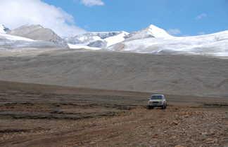 Route vers Nyalam, dans les hauts plateaux tibétains