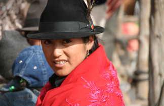 Scène de vie andine en Equateur sur un marché
