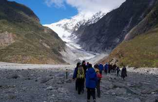 Sentier menant au Franz Josef Glacier l'un des deux glaciers emblématiques de Nouvelle Zélande